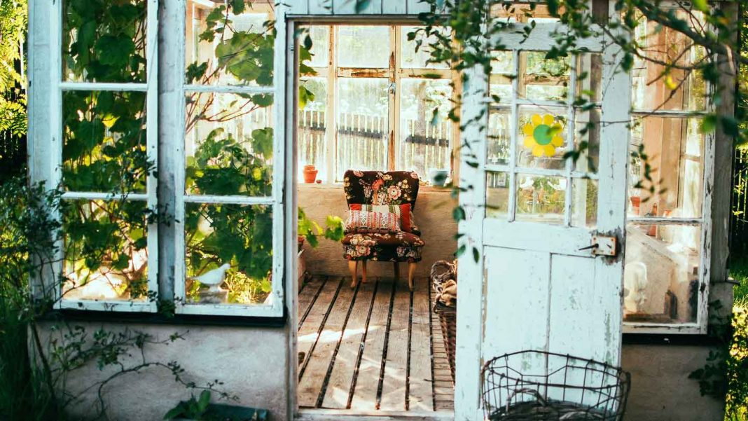 How-to-Help-the-Environment-at-Home-on-servicetrending