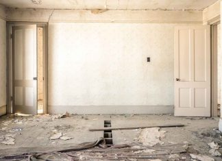 How-to-Renovate-Old-House-on-servicetrending