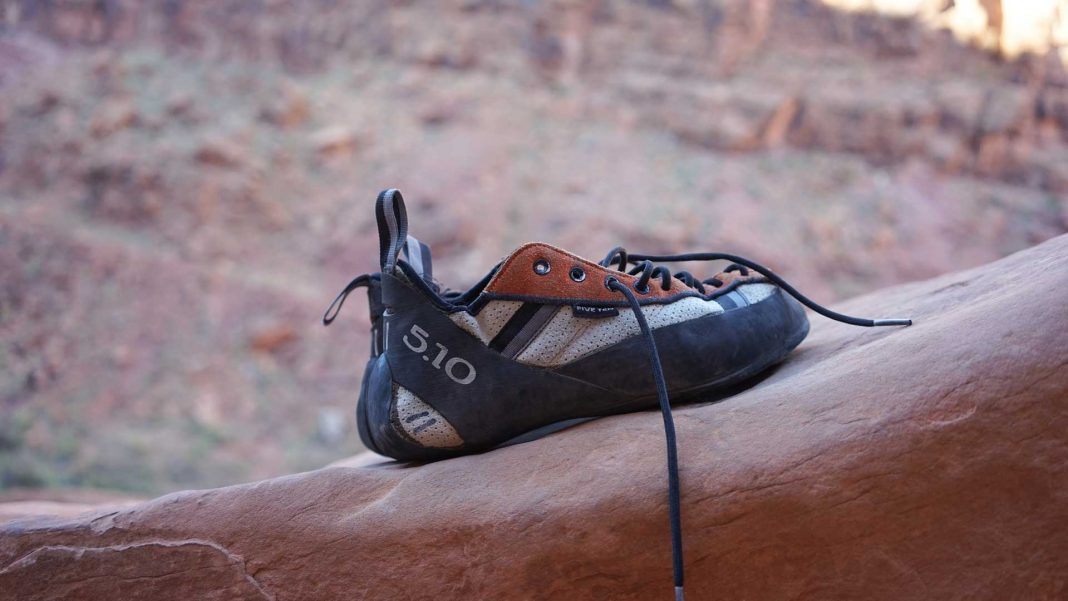 Ideal-Rock-Climbing-Shoes-for-Women-on-ServiceTrending