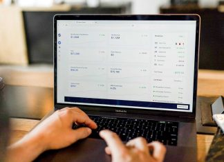 Why-You-Should-Hire-an-Online-Bookkeeper-on-servicetrending