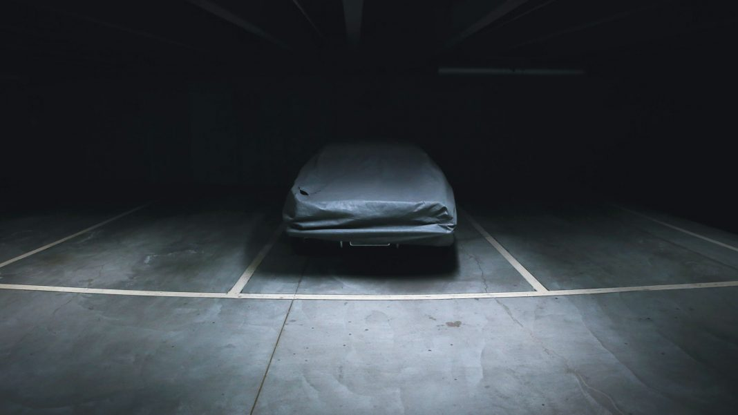 Which-One-Is-the-Best-among-Outdoor-&-Indoor-Car-Covers-on-servicetrending