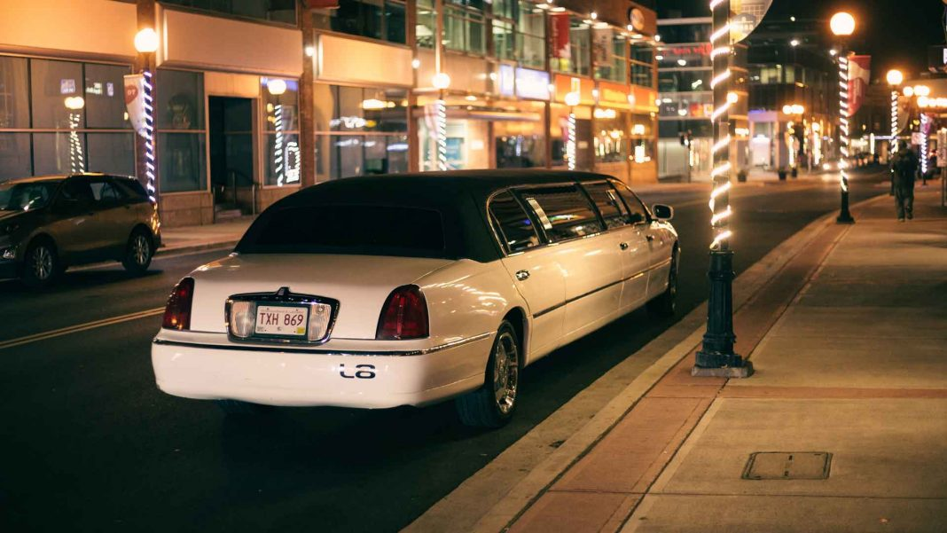 Some-Guideline-for-the-First-Time-Renter-of-Limousine-on-servicetrending