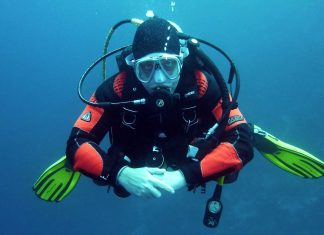 Why-Do-You-Need-To-Wear-Diving-Suit-Before-Going-Into-The-Water-on-servicetrending