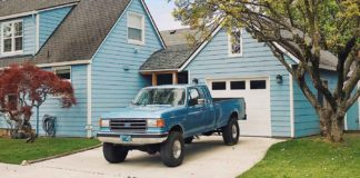 Simple-Tips-to-Dirt-Free-Your-Truck-Bed-with-Ease-on-servicetrending