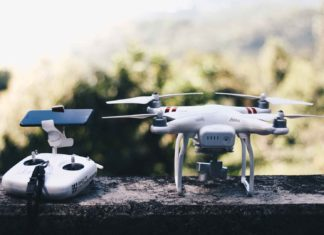 Top-Etiquette-Tips-for-Drone-Operating-With-Ease-on-ServiceTrending